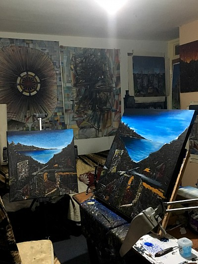 Studio shot painting in action Jason Davies 2017